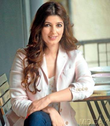 1419398323-twinkle-khanna-the-shining-star-life-and-style