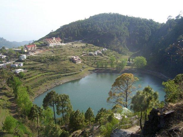 Khurpa_Tal_lake_near_Nainital,_Uttarakhand