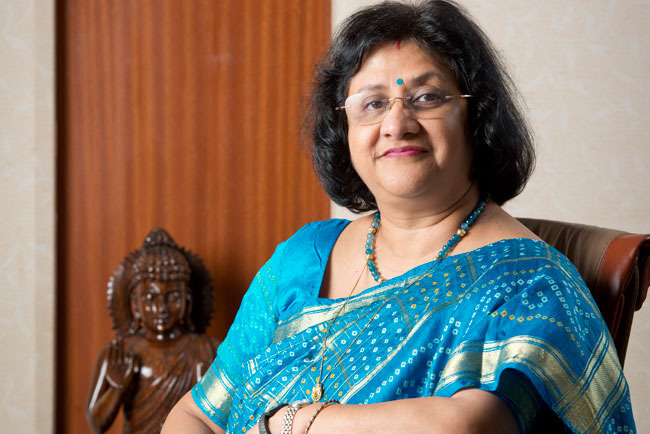 1467288428-arundhati-bhattacharya-know-the-story-of-the-first-woman-to-lead-sbi