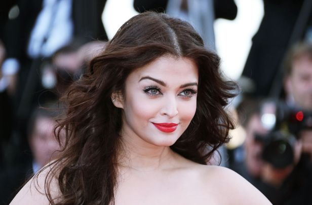 Aishwarya-Rai-2014-Cannes-HD-Wallpaper-photos-pics1